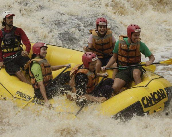 Rafting é sua próxima aventura